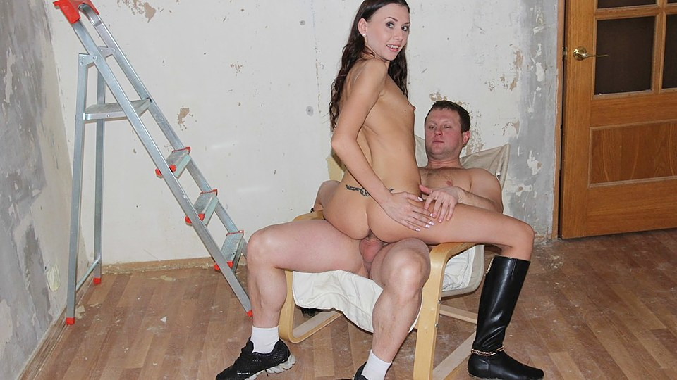 Super-cute Black-haired Gal Will Get Fucked Prettily By Means Of 2 Chaps